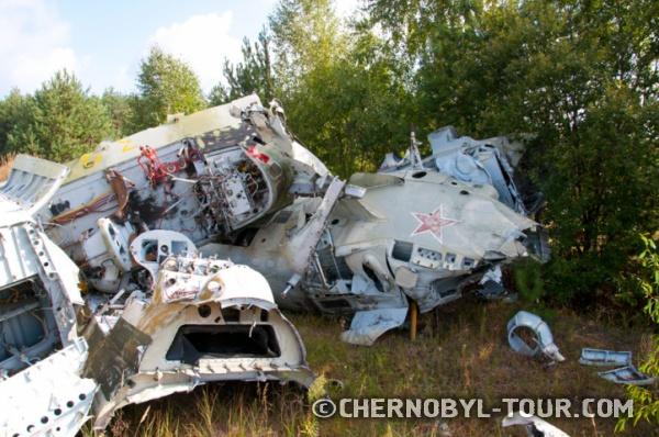 Остатки вертолётов, принимавших участие в ликвидации